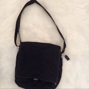 AUTHENTIC COACH CROSSBODY BAG OR TOTE